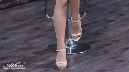 韩国超高颜值丝袜女神模特,好东西分享给大家(手机竖屏版)