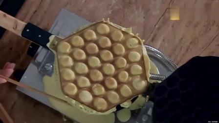 美食:张艺兴做出来的鸡蛋仔,怎么吃都不腻,连老公都夸我贤惠呢