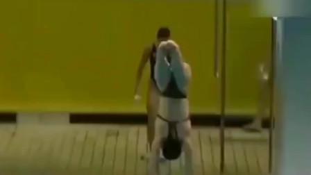 跳水女将郭晶晶跳水,日本裁判竟然都给了10分,赢得全场喝彩