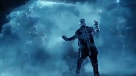 《X战警》为救出小淘气,冰人牺牲万磁王落荒而逃