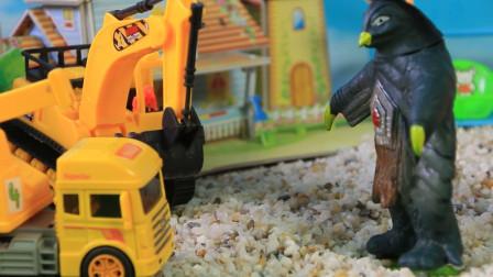 小怪兽的破坏力太强了!户外工程车来修理玩具!