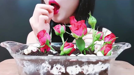 小姐姐吃鲜花巧克力蛋糕,做的真精致,小姐姐真会吃!