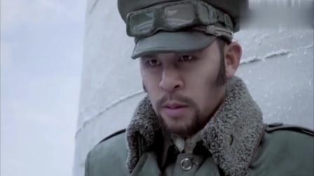 智取威虎山:座山雕让部下冒充军队,想要试探杨子荣,不料杨子荣拿榴弹直接打!