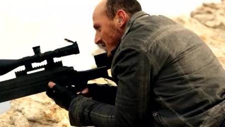 狙击手为了报仇, 隐藏戈壁滩中, 枪杀警察和男子