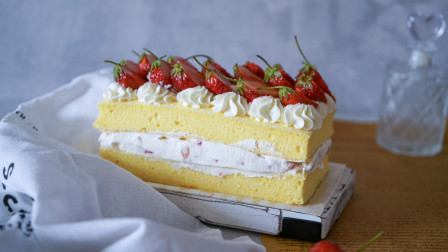 我的日常料理 第二季 教你制作初夏冰凉甜蜜的鲜奶油草莓短蛋糕