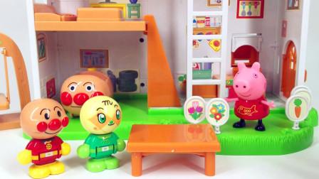 兜糖小猪佩奇玩具 小猪佩奇双面旋转面包店面包超人购物