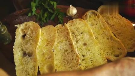 国外美食达人制作的炸奶酪三明治,这应该是芝士控的最爱