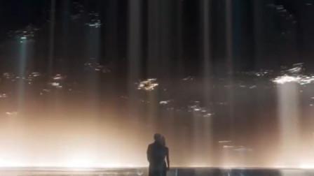 《复联4》惊奇队长路过救托尼,网友:是路过吗?