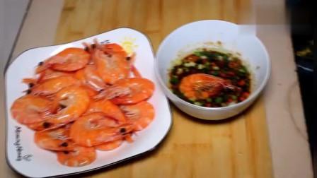 """大厨教你:""""白灼虾""""正宗做法,虾嫩鲜美无腥味,比饭店的还好吃"""
