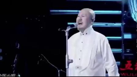 腾格尔现场翻唱网络神曲,原唱听了要被逼疯,自带魔性的歌声!