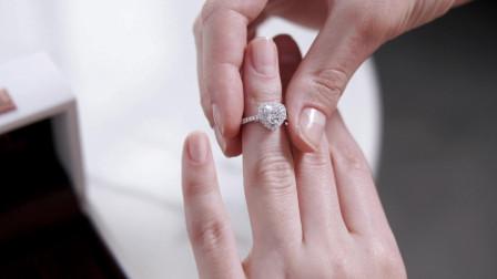 My Heart系列简奢款求婚钻戒款式实拍视频,浪漫心形主钻, 周边搭配细钻,精致又显大,想要求婚的男士不要错过