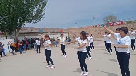 最向往的生活,我们村跳广场舞的大妈们,日子过得太舒服了