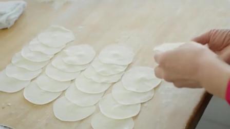 """《舌尖上的中国》独具地方特色的饺子,海鲜不要钱?网友:肉太多,海鲜饺变""""馄饨""""!"""