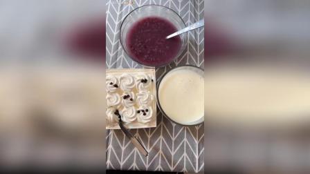 紫薯黑米粥, 一盒小蛋糕, 一杯豆浆