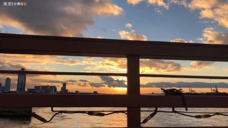 日本的大阪港, 夕阳西下, 我却远离他乡, 无论有多远