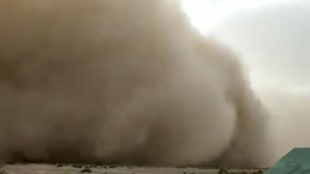 初柒文化传媒 内蒙古出现强沙尘暴天气 沙墙连接天地呼啸而过