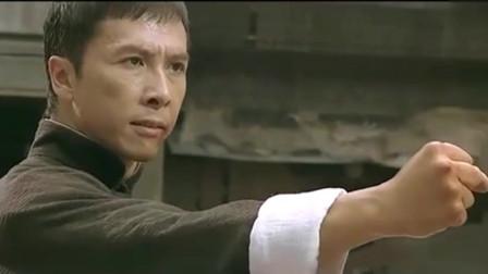 叶问与日本武士对战,过程虽然凶险,但还是取得了最终胜利。