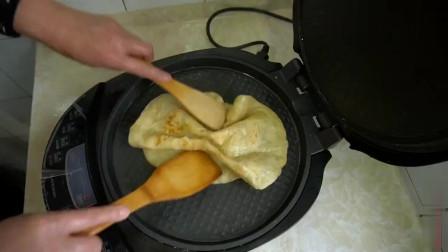 烙饼掌握这几步,柔软又多层,手一碰直掉渣,放凉吃也不硬