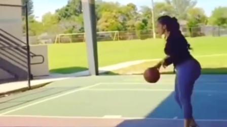 女子篮球训练,从运球的动作来看,这妹子的球龄绝对有10年以上!