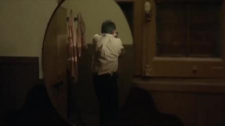 目露凶光:闯入鬼酒店救人,里面全都是镜子,真是够刺激