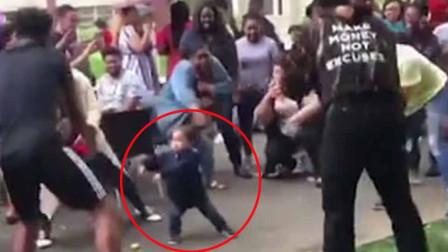 舞会最靓崽!2岁男童误入大学舞会 炫酷舞姿引围观