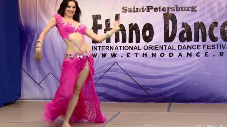 花重金请来的俄罗斯舞蹈家,预计演出效果将非常不错