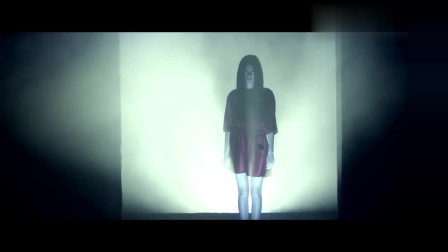 笔仙惊魂3:女子深夜梦游,行为诡异,结果被吓醒!