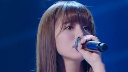 中歌会:阿兰一首《彼岸花开》,嗓音清澈空灵,不愧是最美歌姬!