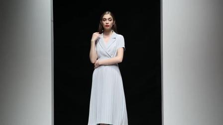 2019夏装新款 时尚干练西装领插肩袖压褶拼接大摆中长款连衣裙