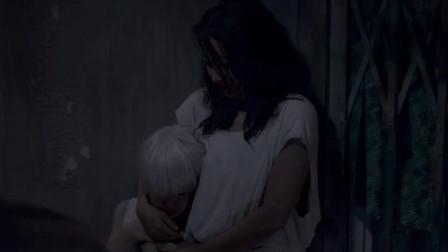 一群鬼差來勾魂,打著雨傘經過樓道,美女看到之后嚇懵了!