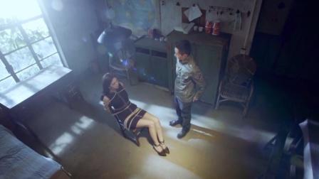 小伙绑架了美女,还细心照顾她,开什么条件都不肯放她走!