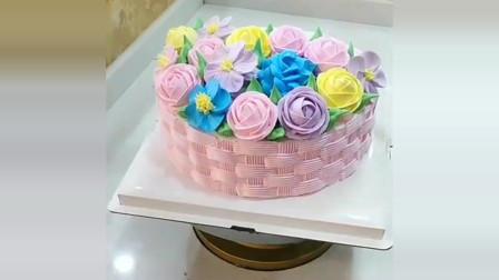 美食:蛋糕师制作的花篮蛋糕,看起来好精致,都不舍得切了