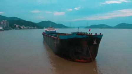 航拍海上的渔船 轮船 场面相当壮观