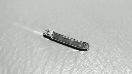 航拍海上航行的轮船 海边震撼的造船厂