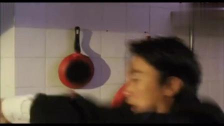 《无敌幸运星》粤语原声高清版,星爷拿小混混当网球来打