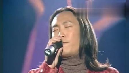 当年郑中基获音乐奖,上台演唱《搬屋》,沧桑嗓音让人着迷