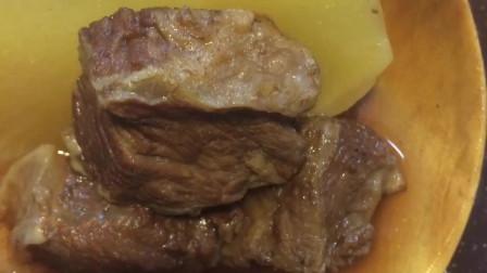牛腩如何做好吃,加它史上最好喝不腥汤鲜肉美,上桌连汤都不剩!