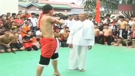 传统武术,老一辈武术家与泰拳实战,打泰拳像打小孩