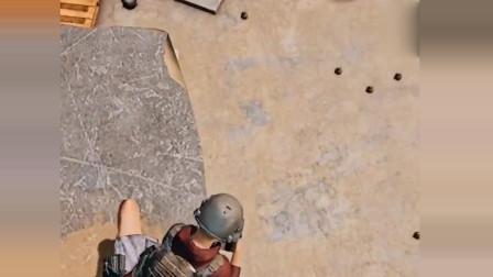 刺激战场:看到地上有这么多手榴弹,这些人的对话太有才了,看完忍住不许笑