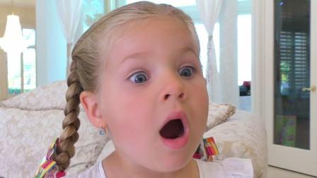 萌娃小可爱一觉醒来发现家里有好多个一模一样的哥哥,小家伙的表情真是萌萌哒!
