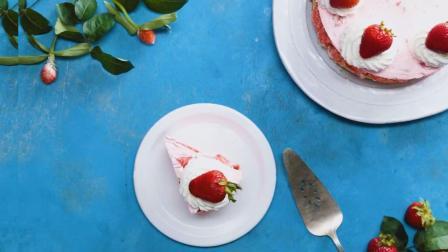 这么浓厚的草莓奶油味, 必定是草莓蛋糕