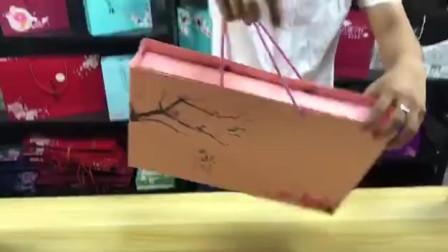 月饼盒常规折盒子视频