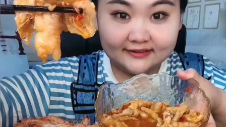 山东胖妹开饭了,无骨泡椒鸡爪咯吱的真馋人,吃货向往的境