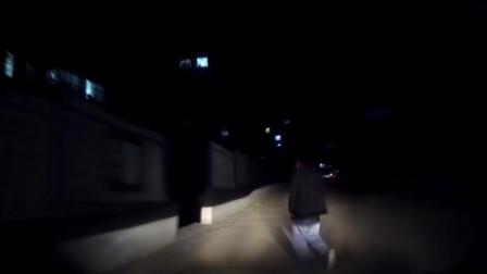 大叔过路口被撞飞,车主丝毫没有刹车的意识,真是倒霉!