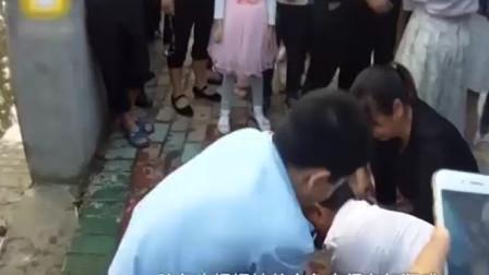 江西:男童溺水呼吸停止, 学医民警救回一命