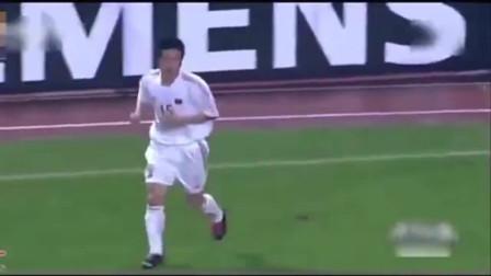 中国足球最鸡贼的一个进球, 对手门将都要疯掉, 没见过这么耍诈的!