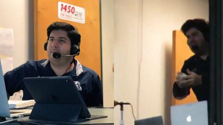 棒球比赛棒球飞场外 解说员窗口伸手淡定接球