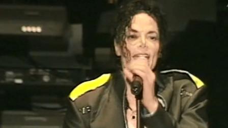 迈克尔杰克逊的嗓音独特,高音铿锵有力