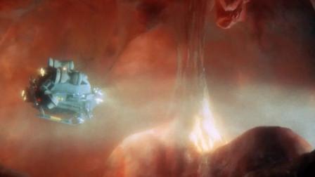 【陈莉丽说电影】中尉被缩小成微粒子,意外进入女友体内发现了巨大 几分钟看完超有趣的科幻片《惊异大奇航》