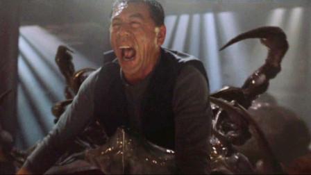 几分钟看完经典怪物电影《极度深寒》,游轮遭深海怪物袭击,上千人尸骨无存